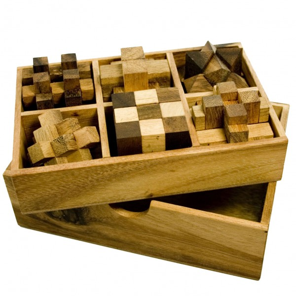 IQ Master Knobelspiele Set in edler Holzschachtel