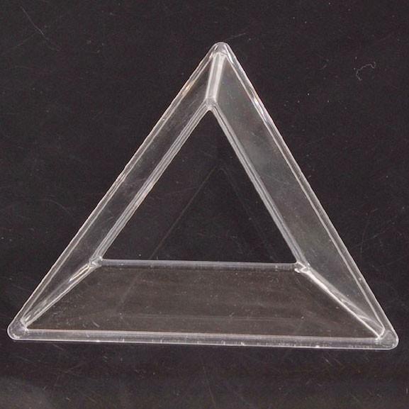 Dreieckiger Sockel für Cubes transparent