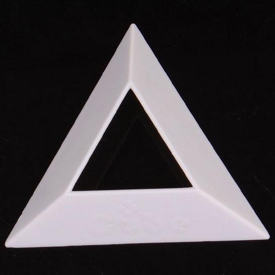 Dreieckiger Sockel für Cubes weiß